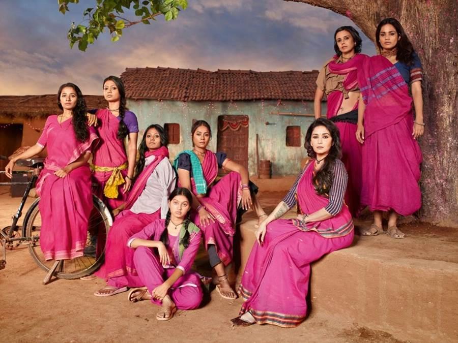 Madhuri-Dixit-Gulaab-Gang-Movie-Still