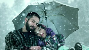 Shahid-Kapoor-Shraddha-Kapoor-in-Haider-Movie-Wallpaper