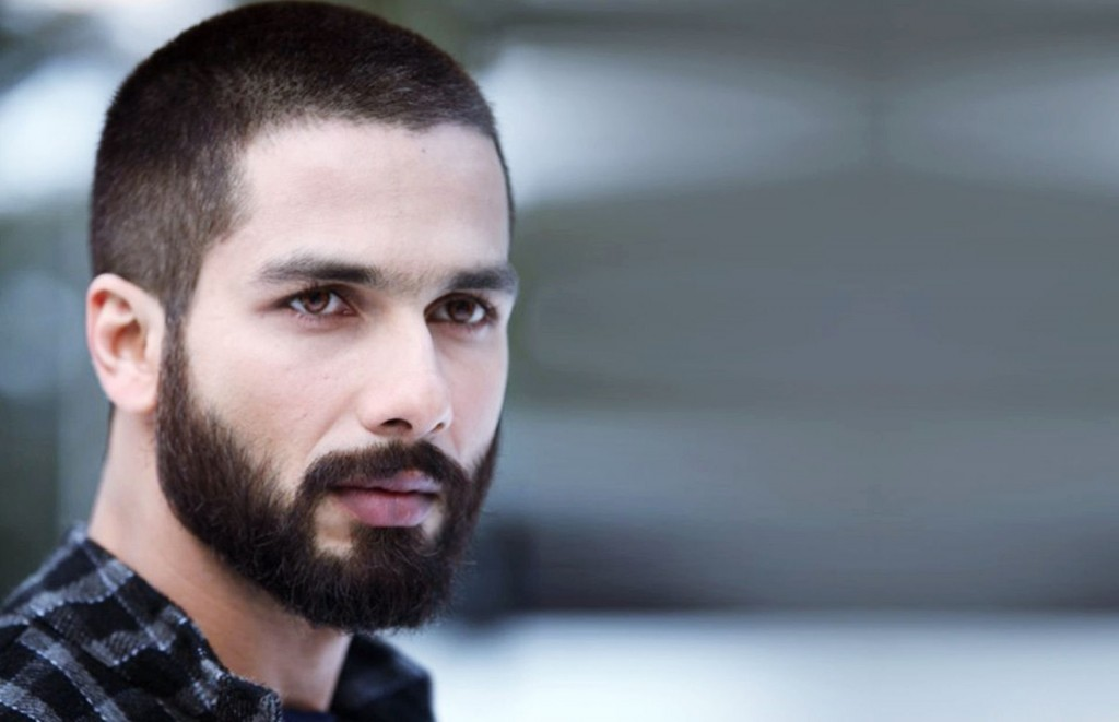 Shahid-Kapoor-in-Haider-Movie-Wallpaper