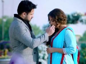 hamari-adhuri-kahani-movie-pic
