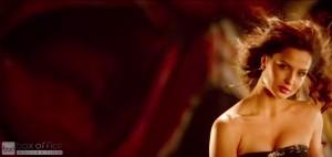 Elli Avram Hot Looks in Bam Bam Song-1