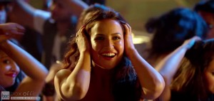 Elli Avram Hot Looks in Bam Bam Song-11