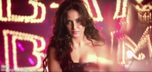 Elli Avram Hot Looks in Bam Bam Song
