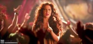 Elli Avram Hot Looks in Bam Bam Song-9