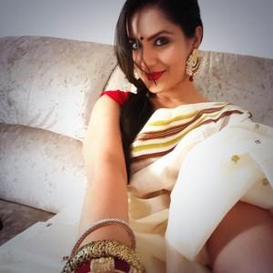 Puja Banerjee Selfie (2)