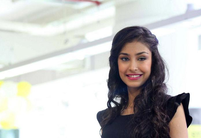 navneet kaur dhillon loveshhuda actress bio amp unseen