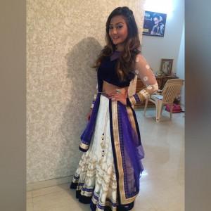 aashika bhatia cute unseen pic