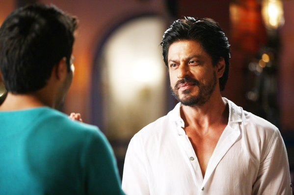 Dilwale Movie Stills Hd Pics Feat Shahrukh Khan Kajol Varun