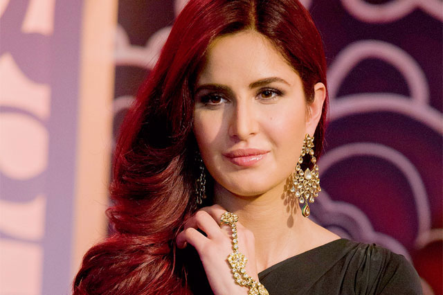 katrina kaif red hari look