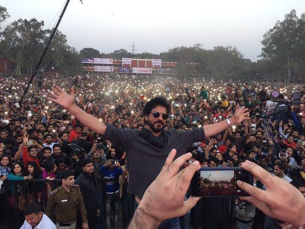 shahrukh at fan anthem launch