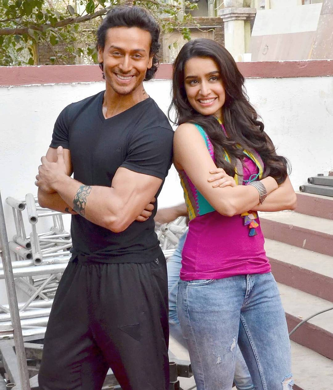Baaghi Movie Wallpapers Witness The Hotness Of Shraddha Kapoor And