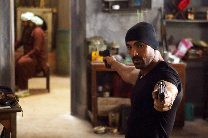 rocky-handsome-tweet-review