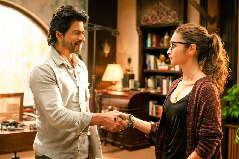 dear zindagi 1st day collection, dear zindagi first day collection, dear zindagi friday collection, dear zindagi opening day collection, dear zindagi box office collection, dear zindagi total collection, dear zindagi day 1 collection, dear zindagi worldwide collection
