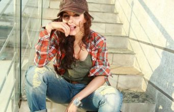 Isha Talwar Cool Pics