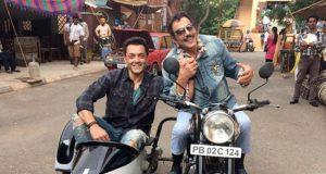 Dharmendra Recreate Sholay's Jai-Viru Pose with Bobby Deol for Yamla Pagla Deewana 3