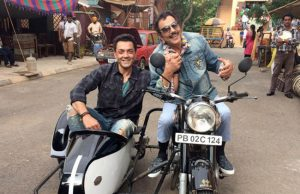 Dharmendra Recreate Sholay's Jai-Viru Pose with Bobby Deol for Yamla Pagla Deewana 3