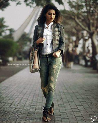 Priya Varrier Hot Pictures