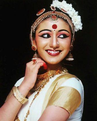 Priya Varrier Snseen Pictures